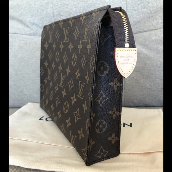 New Louis Vuitton Toilet Pouch 26 Monogram 2478f5c95aad8